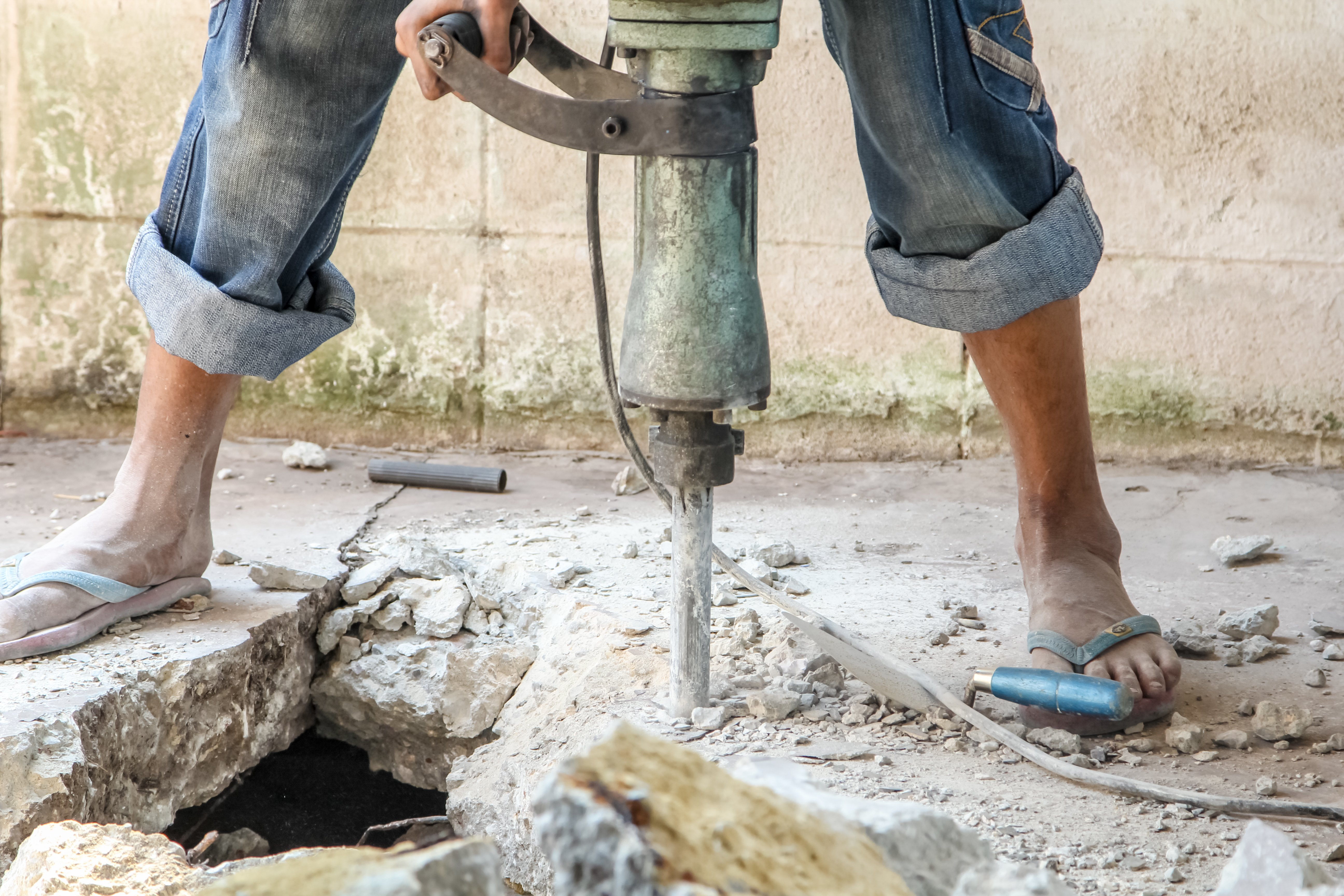 Workers using a pneumatic hammer drills can develop conditions including hand-arm vibration syndrome