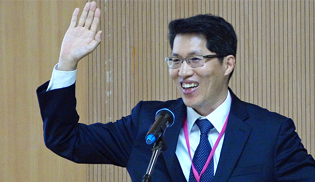 Dr. Rae Woong Park