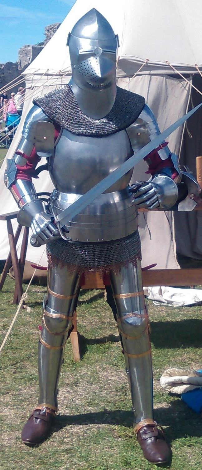 Replica medieval armour of 1420, worn by Mark Griffin, Griffin Historical Ltd © University of Southampton