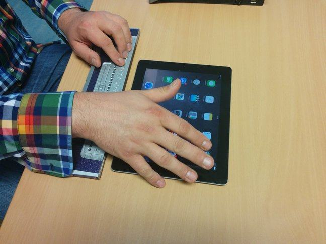 A bluetooth braille-display paired with an iPad.