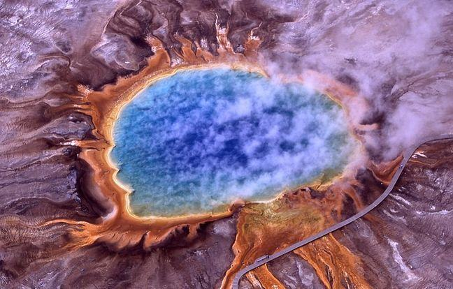 Grand Prismatic Spring which shows the hot centre and concentric rings of colour