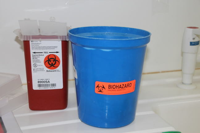 Two boxes used to discard contaminated sharp objects_4013.JPG