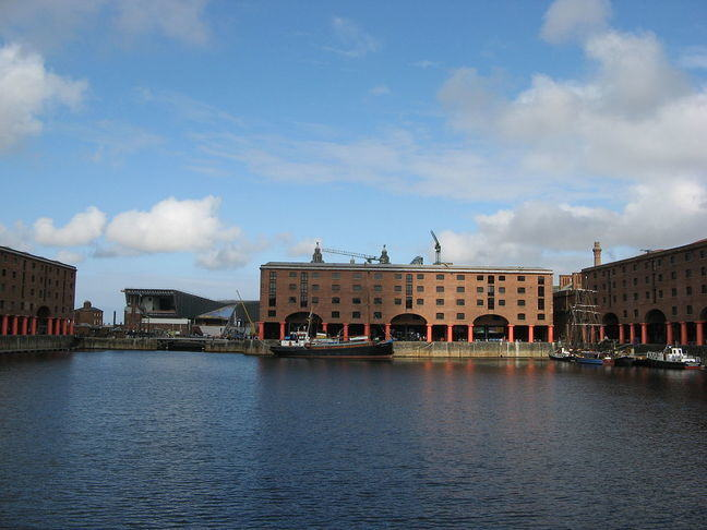 Photo of the buildings around the water in the dock
