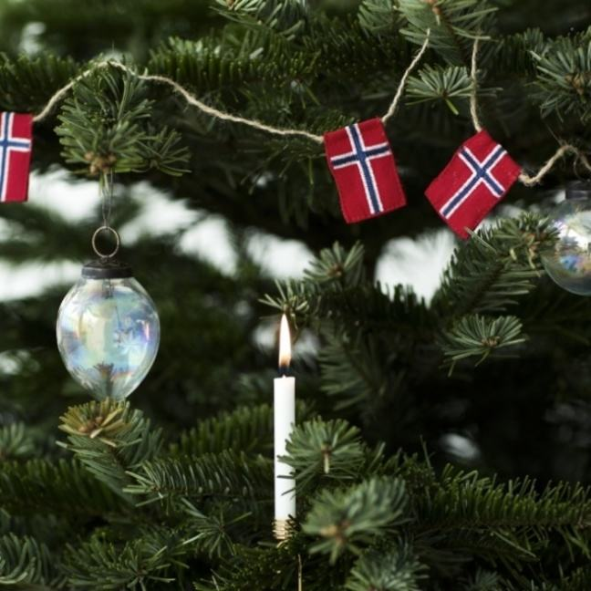 Christmas tree with Norwegian flags