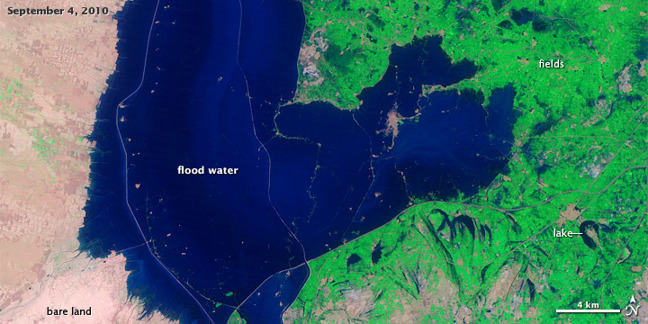 Satellite photograph showing extent of flooding in one area of Pakistan in September 2010