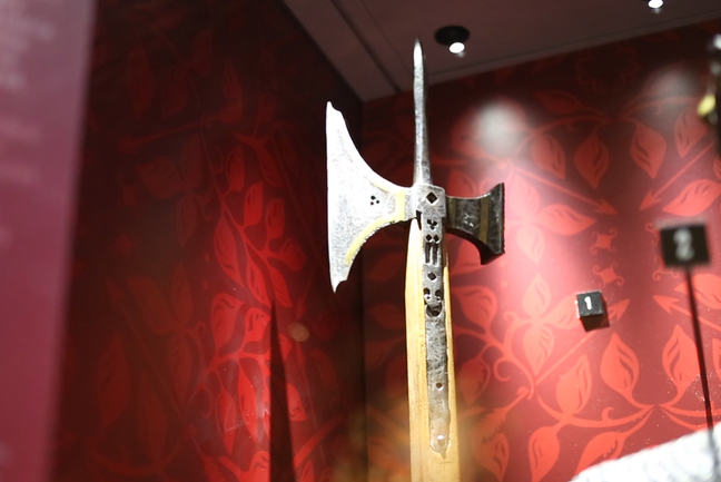 A poleaxe © University of Southampton. The poleaxe is owned by the Royal Armouries and was photographed with permission at the Tower of London