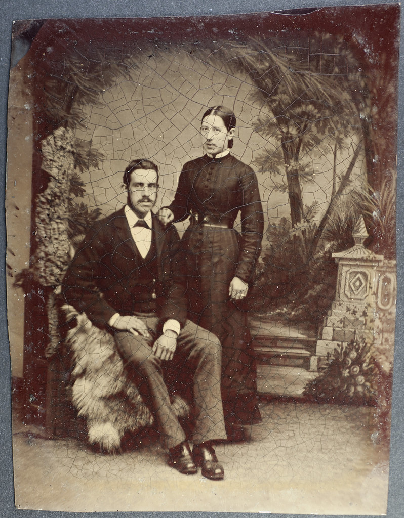 Late nineteenth-century couple. Public domain.