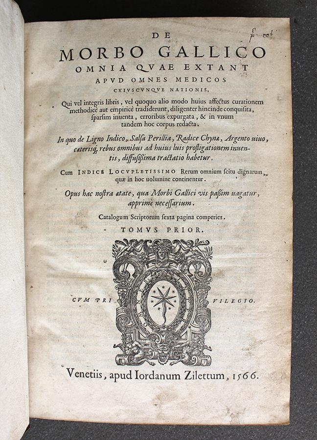 A page from Luigi Luisini, *De morbo Gallico omnia quae extant apud omnes medicos cuiuscunque nationis … in unum … corpus redacta. …* (Venice, 1557). Title page. © The Trustees of the Edward Worth Library, Dublin