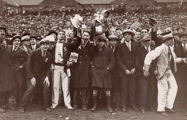 Fans watching Leicester City vs Spurs on 18th Feb 1928. Courtesy Leicester City Football Club