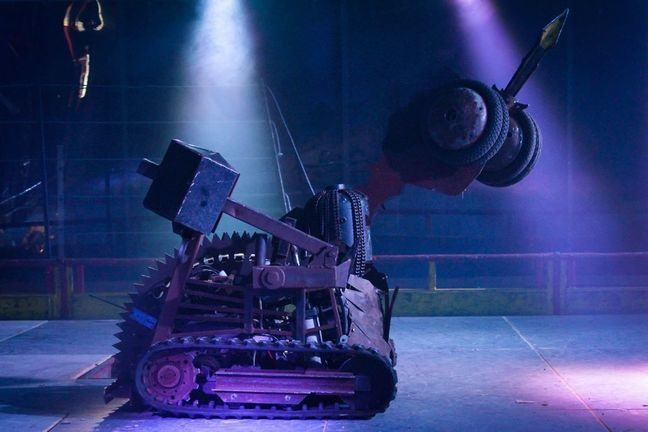 Major Damage fighting in the Robot Wars arena