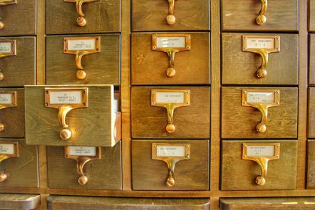 Set of filing drawers