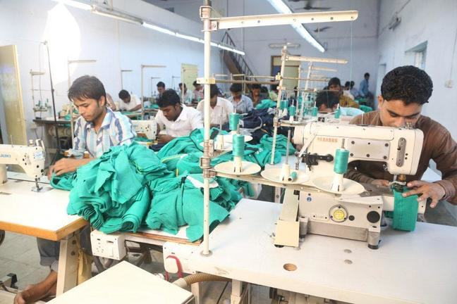 how to find sustainable manufacturers fair trade clothing manufacturers