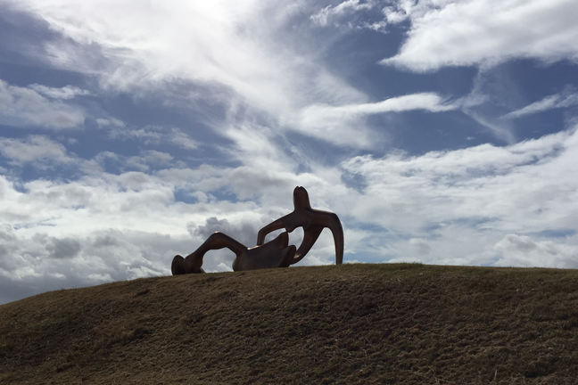 Henry Moore Sculpture: Large Reclining Figure 1984