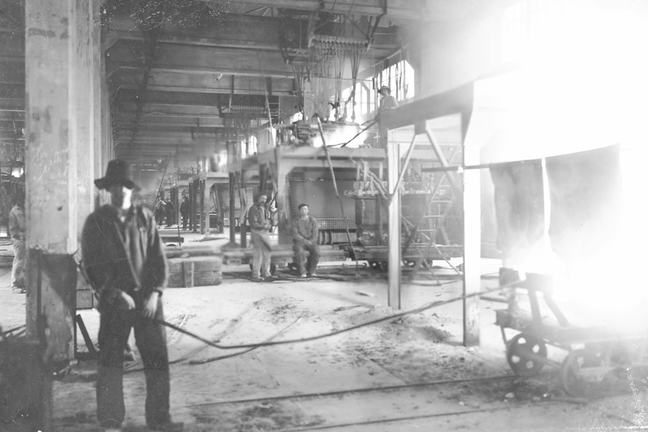 Tapping a furnace in a Norwegian smelter, dated around 1910. Alby United Carbide Factory Ltd.