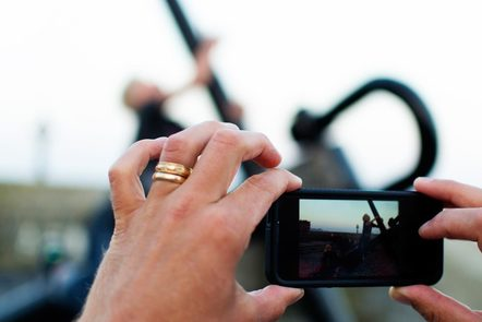 Creating community news, photographing with a smartphone