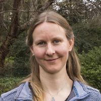 Dr Naomi van der Velden