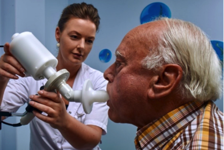 Breath analysis on a patient