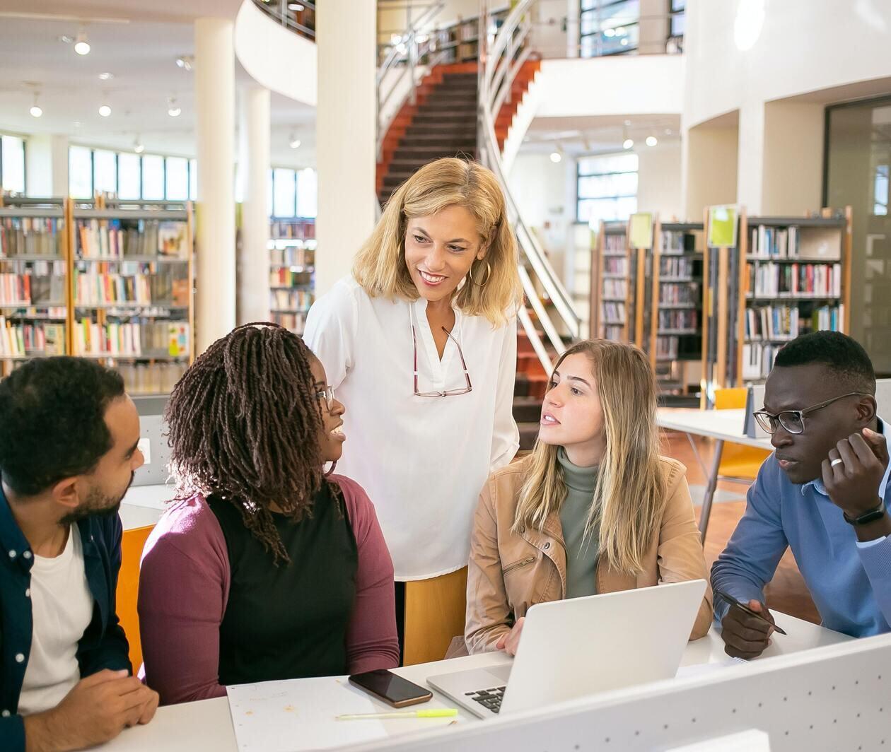 EFL Teaching: English Language Teacher Talk