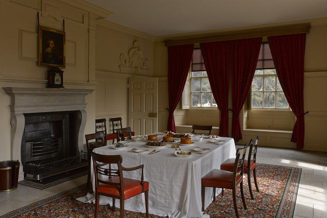 A photograph of a King George the third's dining room at Kew Palace