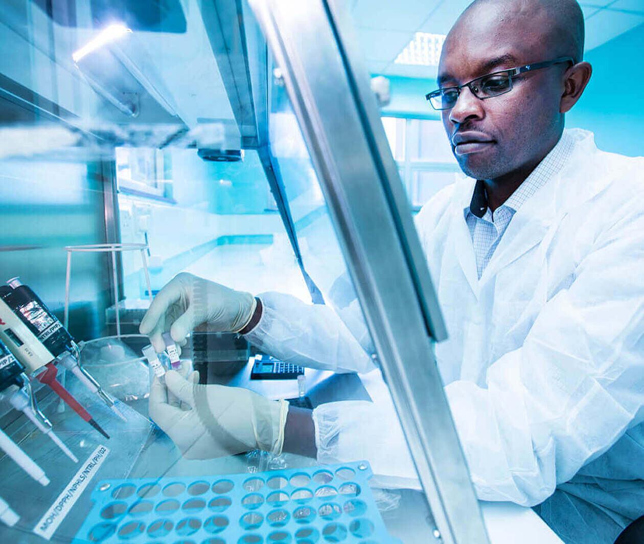 Formation en laboratoire pour les tests moléculaires COVID-19