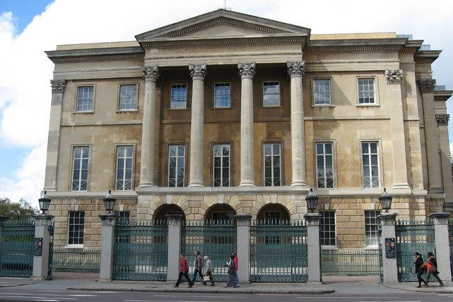 Apsley House - a palladian mansion in central London
