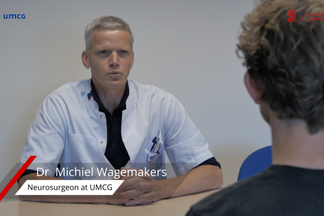 Dr Wagemakers in an consultation