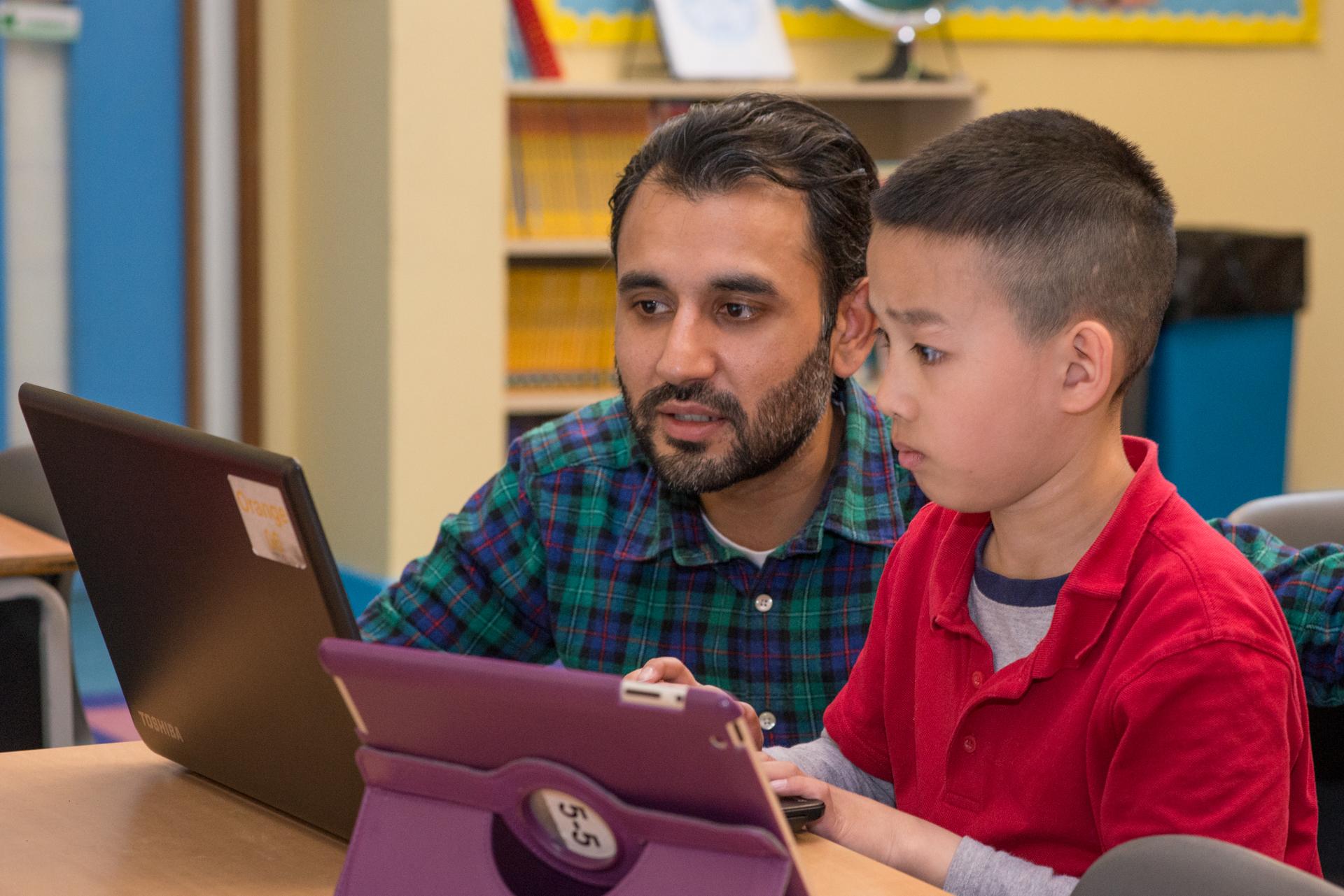 essay children learn best observing behaviour adults copying essay children learn best observing behaviour adults copying