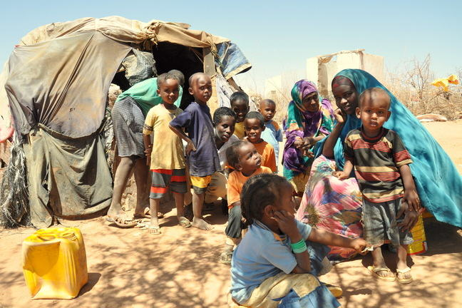 Image of children and mothers in Somaliland