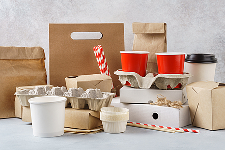 Cardboard and reciclable paper-made food packagings