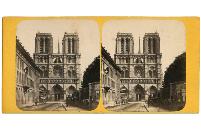 Stereo image of the facade of the Cathedral of Notre Dame, Paris.