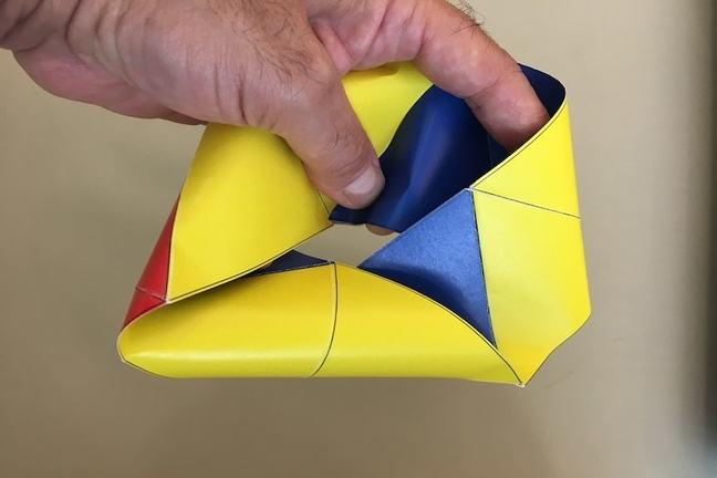 Squished up tri-hexa-flexagon
