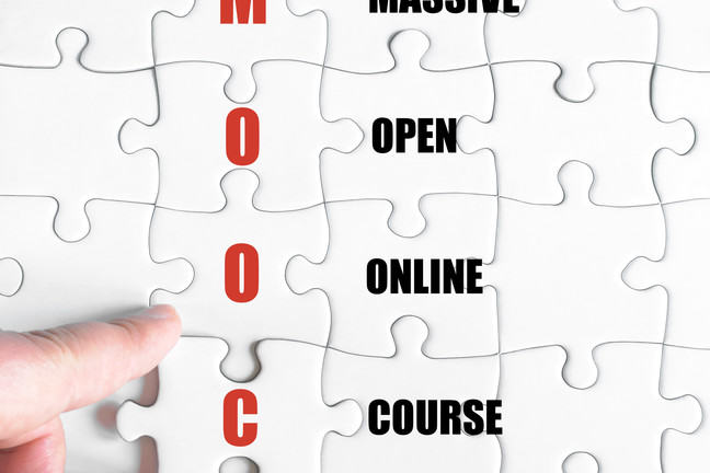 MOOC acronym spelt in full as a jigsaw puzzle