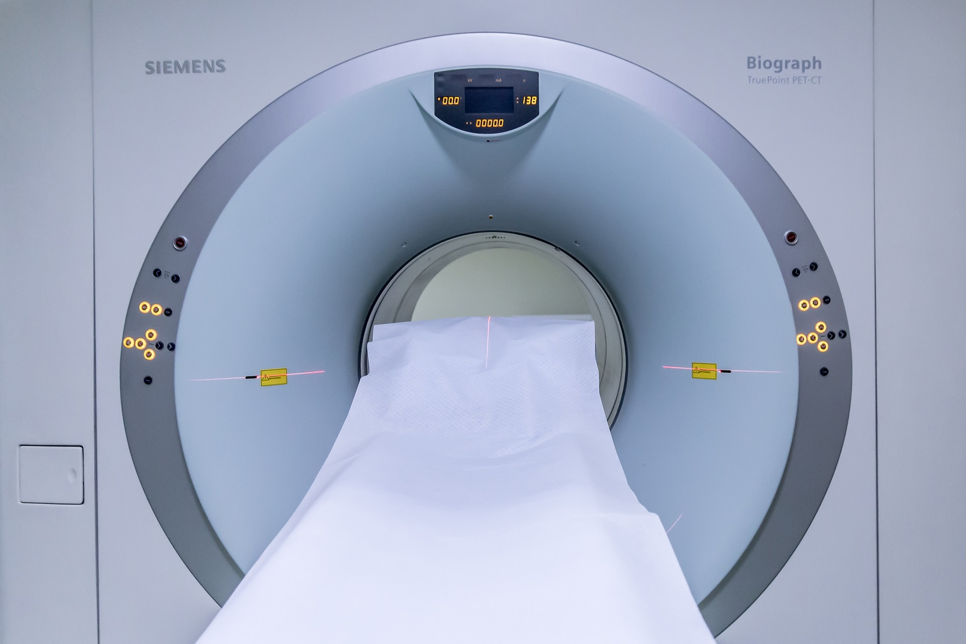 MRI scanner to scan for tumours via pixabay
