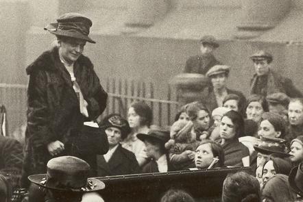 Eleanor Rathbone addressing a crowd