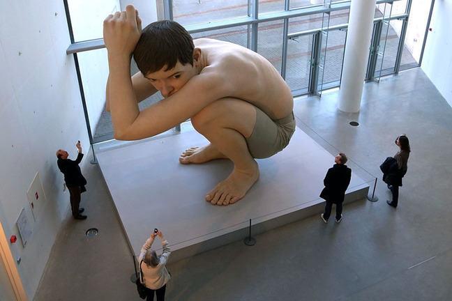 """Ron Mueck's sculpture """"Boy"""""""