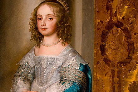 Portrait of Mary, Princess Royal, as a child, eldest daughter of Charles I. She wears expensive silver lace, with pearls around her neck and in her hair and a sumptuous blue cloak over her gown.
