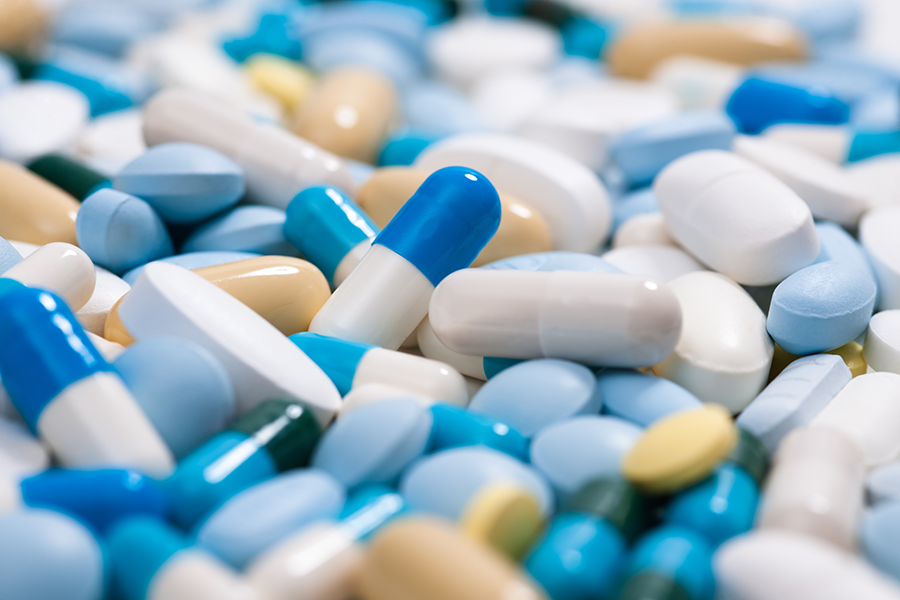 Antibiotic capsules and tablets