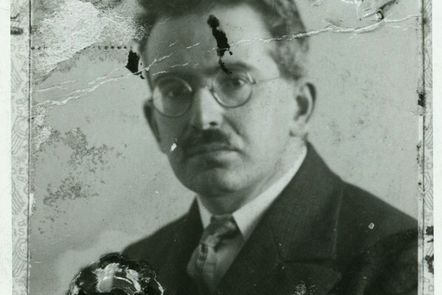Picture of the Walter Benjamin's passport, around 1928