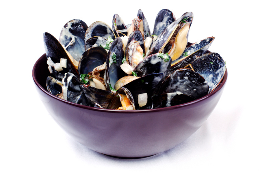 A bowl of mussels