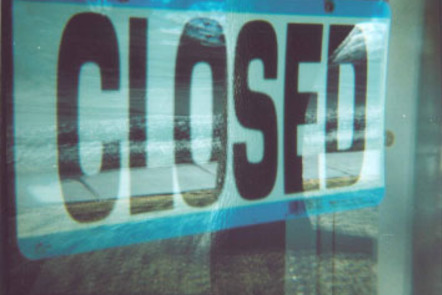 """""""closed"""" flickr photo by jfiess https://flickr.com/photos/gesika22/3346908610 shared under a Creative Commons (BY) license"""