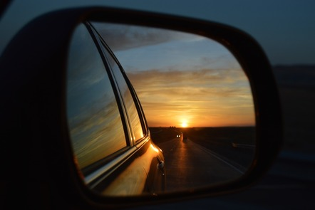 Rear view mirror image symbolising the idea of reviewing week 1.