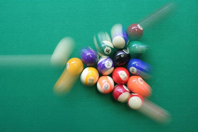 Pool balls scattering