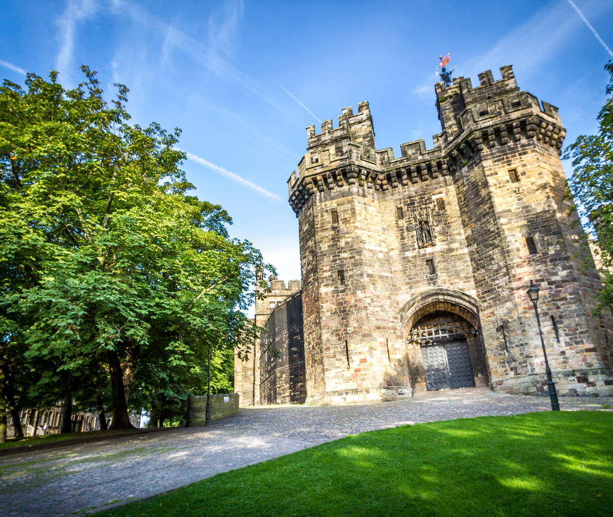 Lancaster Castle and Northern English History: The View from the Stronghold