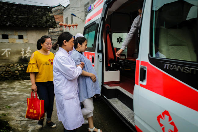 Women at High Risk Transported to Referral Facility, China