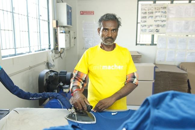 A garment worker for 3FREUNDE