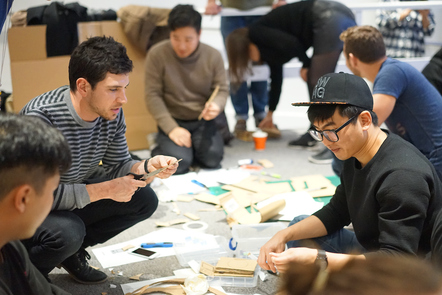Decorative image, people discussing and planning a practical activity.