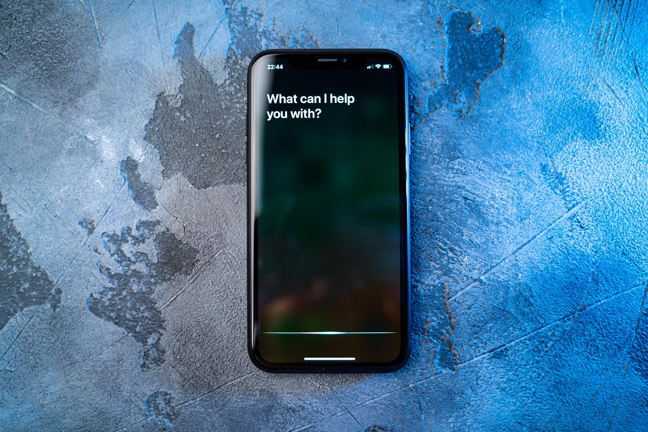Mobile phone - Siri