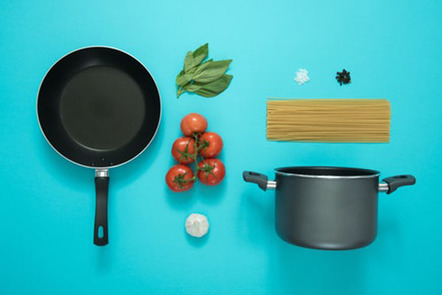 Cooking pots and food