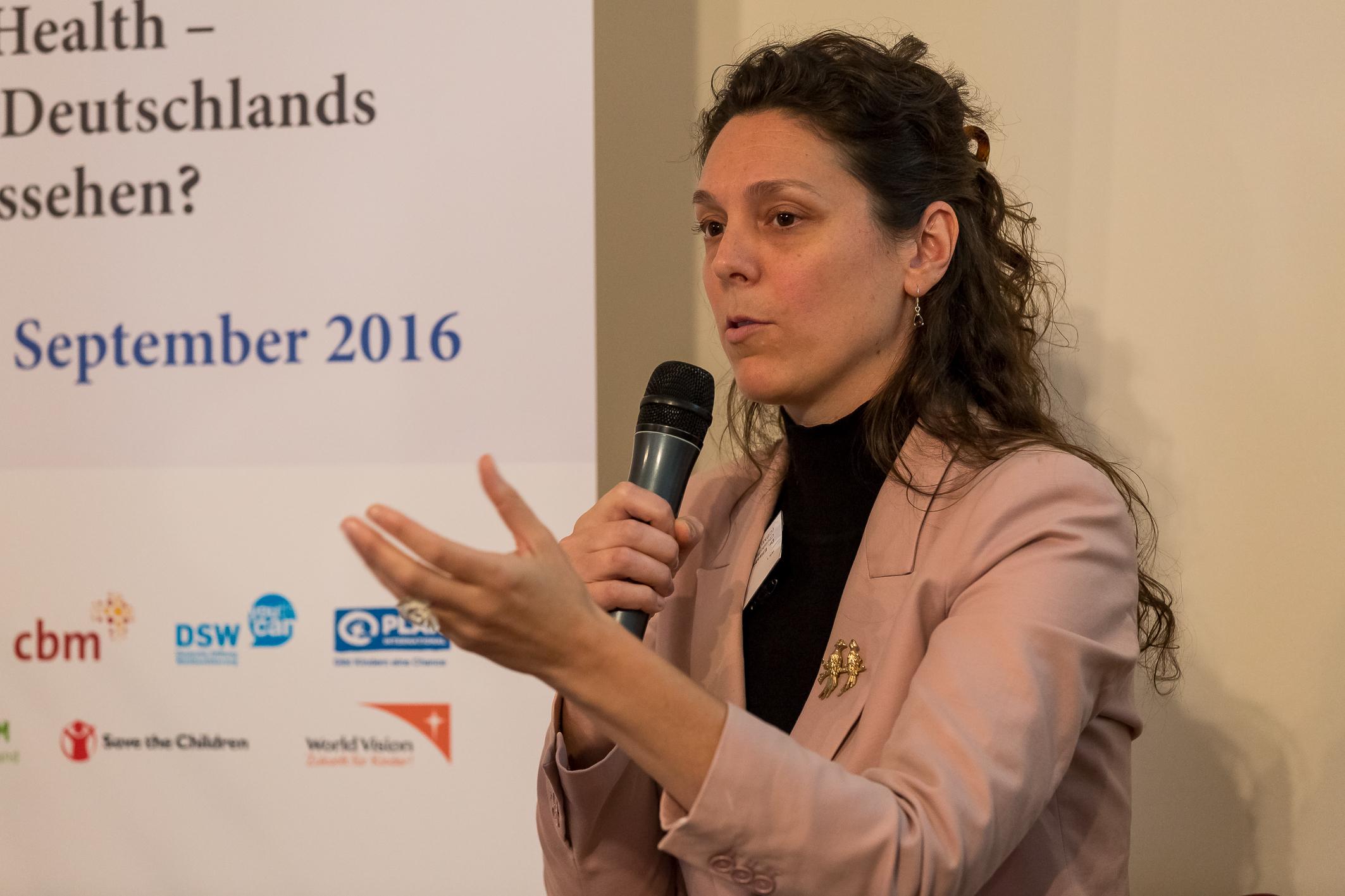 Dr. Elizabeth Lockwood speaking at the at VENRO conference 2016