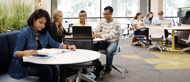 Students studying at The University of Newcastle Australia